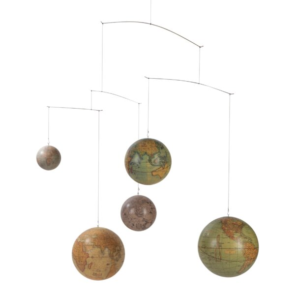 Globe Mobile / dekoracja sufitowa by Authentic Models